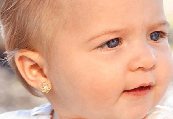 Küpeler kulak yırtılmasına neden oluyor1
