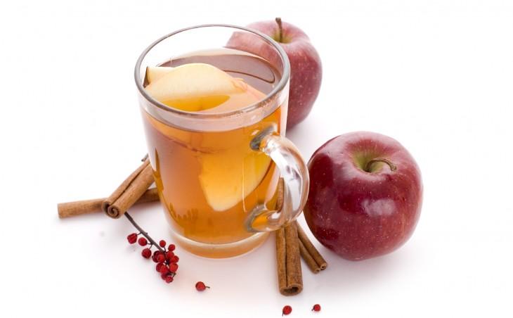 Öksürük için doğal elma çayı
