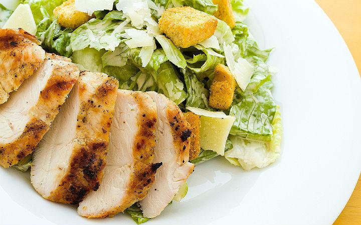 tavuklu-sezar-salata-tarifi