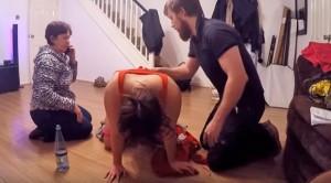 Doğum sancısı tutan kadın kocasının yardımıyla salonda doğum yaptı
