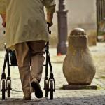 Posta'nın haberine göre böylece, 5 yıl yıpranma hakkı bulunanların yaş haddinde en fazla 2.5 yıl indirim yapılıyor. 52 yaşında emekli olacak kişi bu sayede 49.5 yaşmda emekli olabiliyor.
