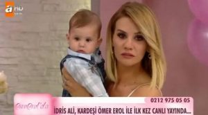Esra Erol doğum gününde bebeğini stüdyoya getirdi