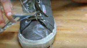 Ayakkabınızı su geçirmez hale getirebilirsiniz!